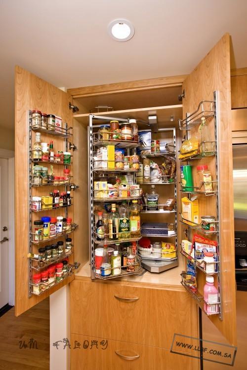 15 Handy Kitchen Pantry Designs With A Lot Of Storage Room: ترتيب وتنظيم المخزن يسعد كل ربة بيت ...